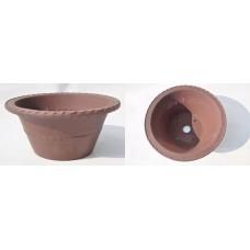 Round ornamented pot [67Y25]